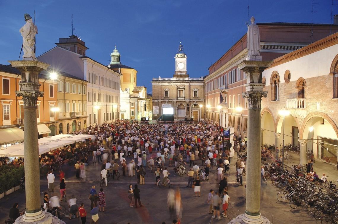 Ravenna-Piazza-del-popolo-1140x758