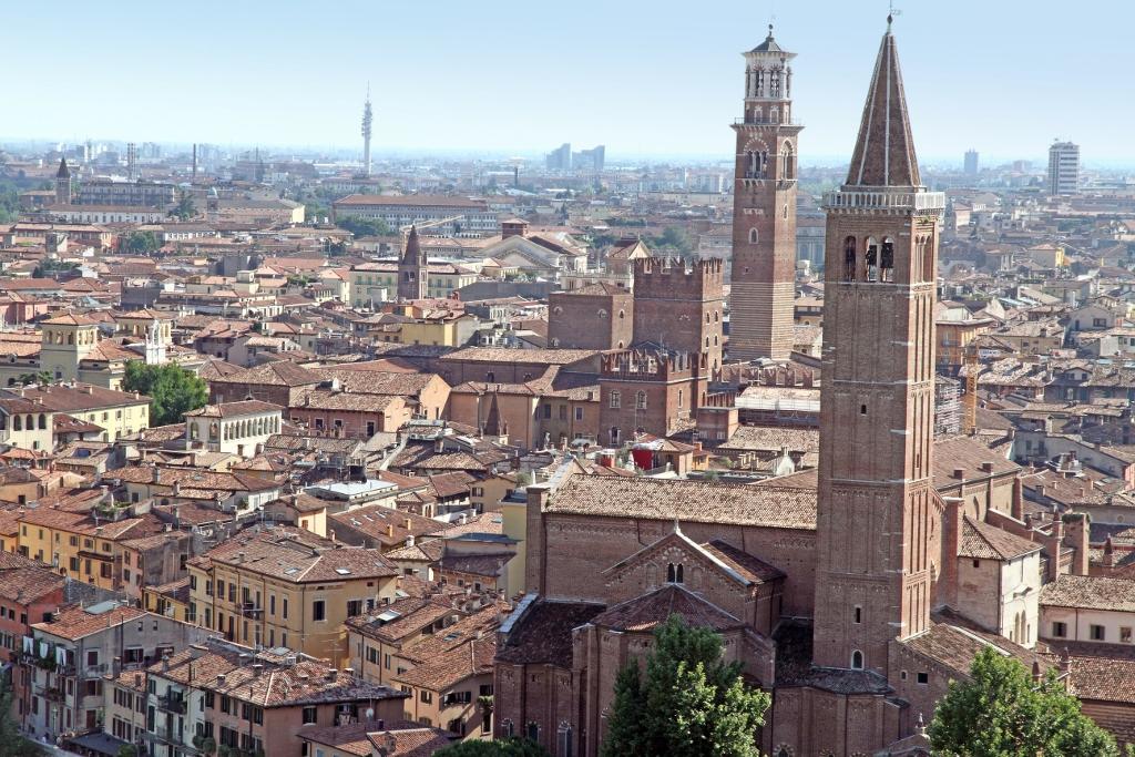 Verona_22 Vista della città di Verona da Castel Veneto by Ana del Castillo (1024x683)