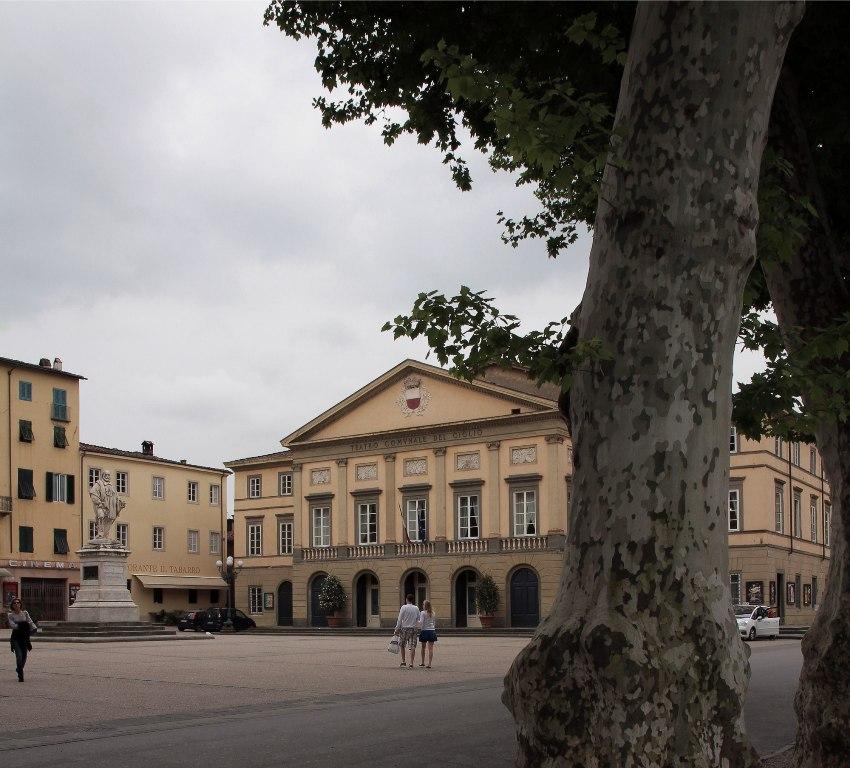 Piazza del Giglio 2 rid